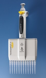 Brand - Micropipette Transferpette S multicanale con 12 puntali