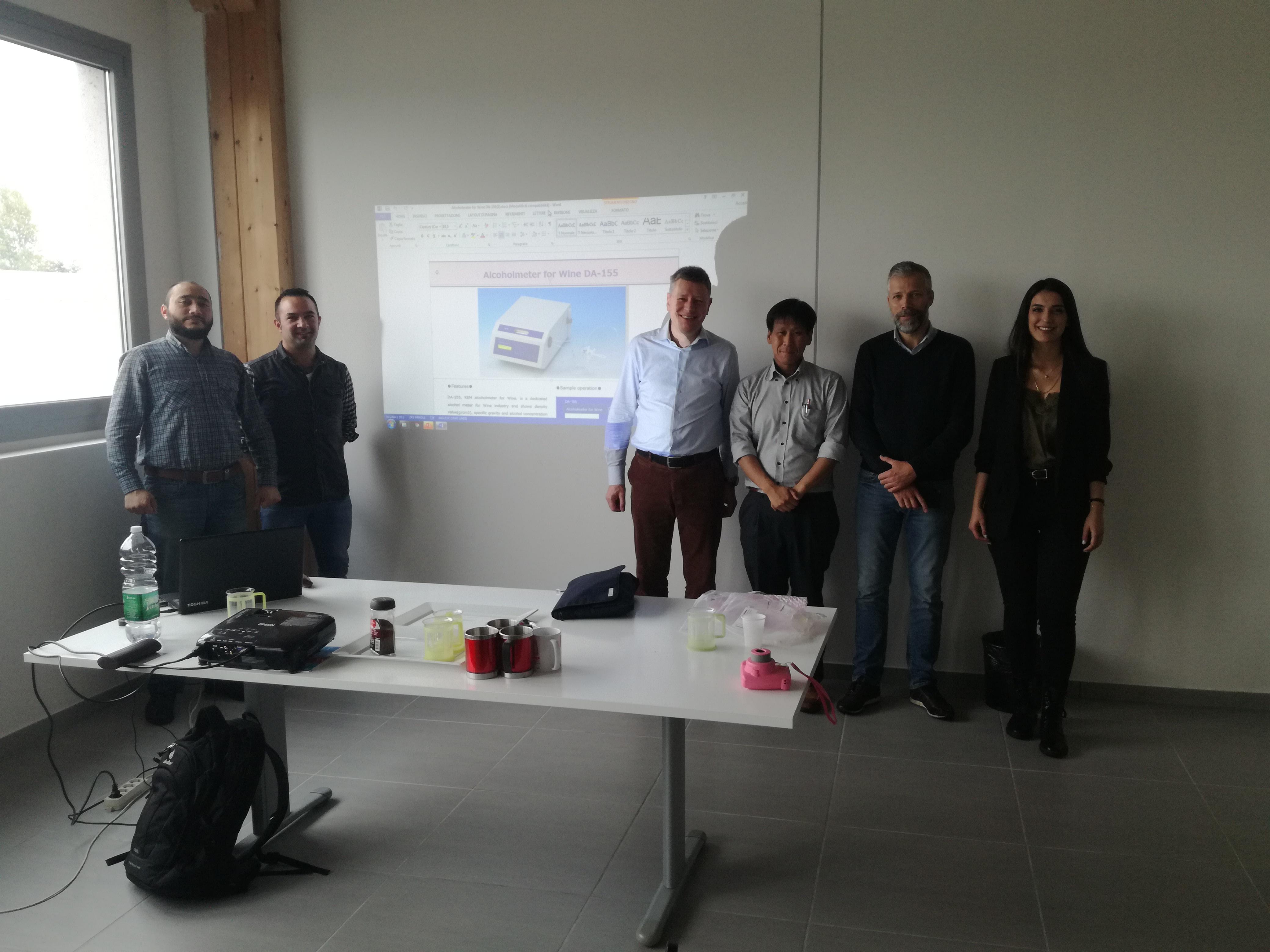 Corso di formazione per distributori KEM in Europa - foto di gruppo